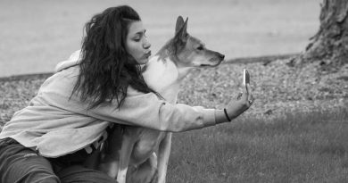 woman-dog-selfie